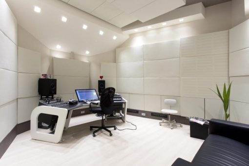 Recording Studio with bass traps and acoustic treatments by GIK Acoustics