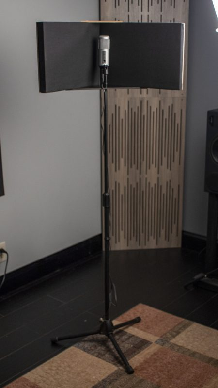 GIK Acoustics VISO Booth Full shot with mic stand